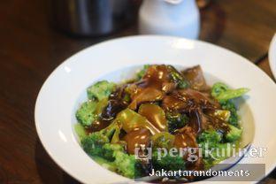 Foto 10 - Makanan di Sulawesi@Mega Kuningan oleh Jakartarandomeats