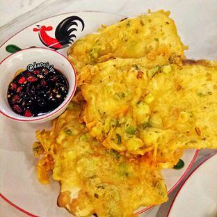Foto 2 - Makanan(Tempe Mendoan) di Bakmi Sombong oleh felita [@duocicip]