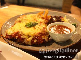 Foto 2 - Makanan(Chicken Parmagiana) di Ambrogio Patisserie oleh makan bareng bernat