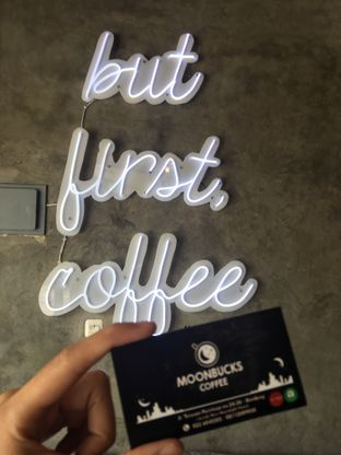 Foto 16 - Interior di Moonbucks Coffee oleh Mariane  Felicia