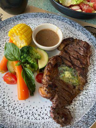 Foto review Cutt & Grill oleh Yohanacandra (@kulinerkapandiet) 8