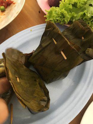 Foto 6 - Makanan di RM Ibu Haji Cijantung oleh Yuni