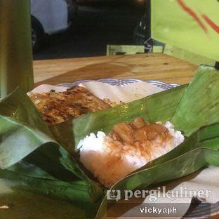 Foto 1 - Makanan(Nasi kucing babi merah) di Angkringan Bro oleh Vicky @vickyaph