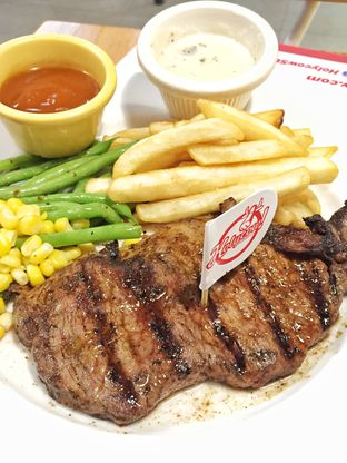 Foto review Holycow! STEAKHOUSE by Chef Afit oleh Marisa Aryani 2