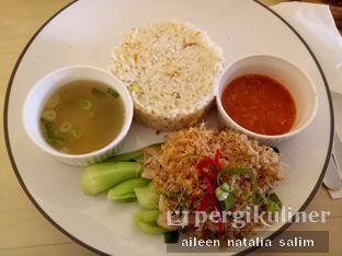 Foto 1 - Makanan di Chatelier oleh @NonikJajan