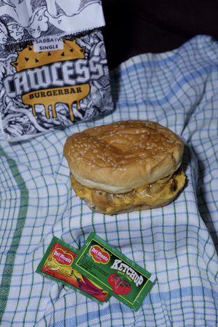 Foto 9 - Makanan di Lawless Burgerbar oleh yudistira ishak abrar