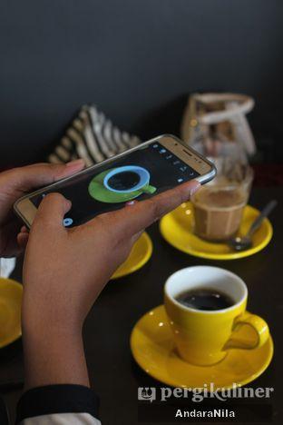 Foto 7 - Interior di Kopipapi Coffee oleh AndaraNila