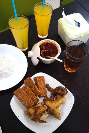 Foto 4 - Makanan di Ayam Goreng Berkah oleh Prido ZH