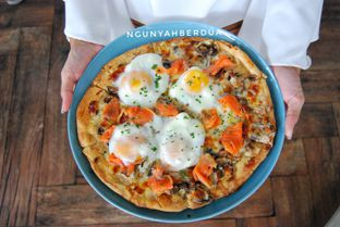 Foto 2 - Menu(Sunday morning pizza) di Nosh Kitchen oleh ngunyah berdua