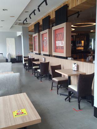 Foto 9 - Interior di Pizza Hut oleh Stallone Tjia (@Stallonation)