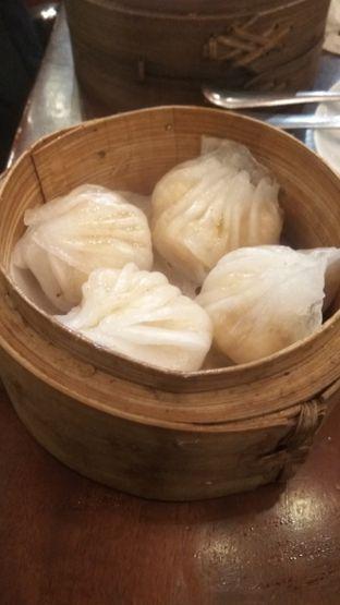 Foto 10 - Makanan(hakau udang special (IDR 18k)) di Tuan Rumah oleh Renodaneswara @caesarinodswr