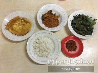 Foto 1 - Makanan di Waroeng Nasi Goreng & Lalapan Babeh oleh Deasy Lim