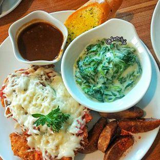 Foto 4 - Makanan di B'Steak Grill & Pancake oleh duocicip