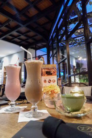 Foto review Noach Cafe & Bistro oleh Amar Khaqqi 2