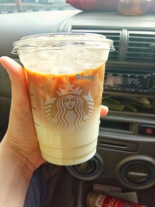 Foto review Starbucks Coffee oleh duocicip  6
