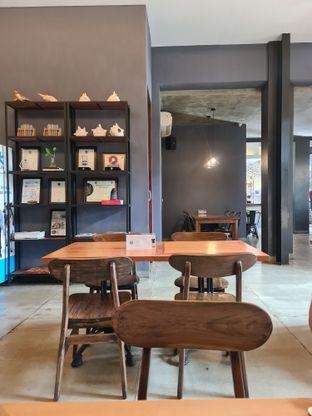 Foto 7 - Interior di Monopole Coffee Lab oleh Fensi Safan