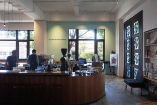 Foto 7 - Interior di Crematology Coffee Roasters oleh Prido ZH