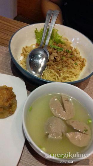 Foto 5 - Makanan(Mie ayam bakwan dan siomay goreng) di Lontong Mie Ny. Marlia oleh Ika Novianti @ika.yap