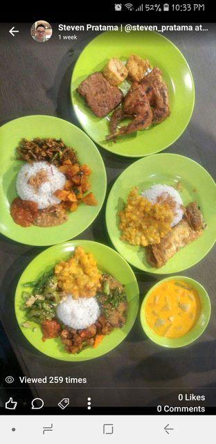 Foto - Makanan di Nasi Uduk Ibu Jum oleh Steven Pratama