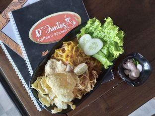Foto review D'Juntos Coffee n' Kitchen oleh Prido ZH 23