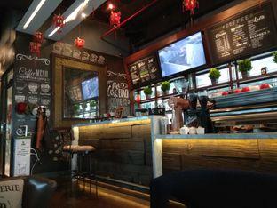 Foto 6 - Interior di Keren Coffee oleh Cantika | IGFOODLER