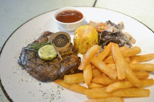 Foto 2 - Makanan di Cutt & Grill oleh IG: biteorbye (Nisa & Nadya)