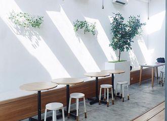 20 Cafe untuk Hangout di Surabaya yang Nyaman Banget