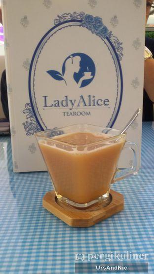 Foto 2 - Makanan(Ginger Milk tea) di Lady Alice Tea Room oleh UrsAndNic