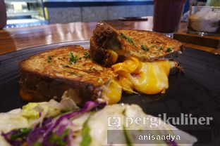 Foto review Home Brew Coffee & Eatery oleh Anisa Adya 9