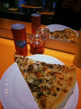 Foto 6 - Makanan(Ricotta white pizza) di Pizza Place oleh doyan jajan