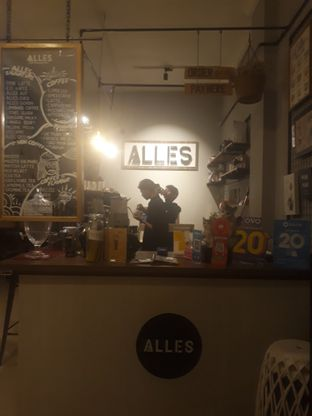Foto review Alles Coffee & Eatery oleh Mouthgasm.jkt  6