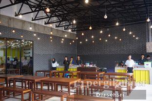 Foto 11 - Interior di Warung Wakaka oleh Darsehsri Handayani
