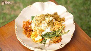 Foto 7 - Makanan(Nasi Ayam Pedas Klungkung) di Warung Namu oleh @demialicious