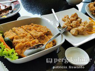 Foto 2 - Makanan(Ayam Nanking & Udang telur asin) di Grand Chuan Tin oleh Patsyy