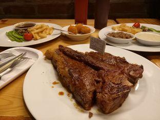 Foto 1 - Makanan(Porterhouse Set) di Meat Compiler oleh Irda Farinduany