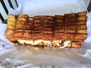 Foto 9 - Makanan di Bolu Bakar Tunggal oleh Prido ZH