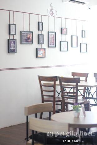 Foto 4 - Interior di Coffee On Fifth oleh Selfi Tan