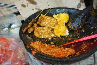 Foto 2 - Makanan di Ayam Gepuk Pak Gembus oleh Belly Culinary