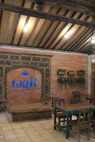 Foto 2 - Interior di Ragil Coffee & Roastery oleh Prido ZH