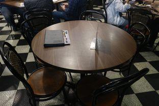 Foto 23 - Interior di Upnormal Coffee Roasters oleh Levina JV (IG : levina_eat )