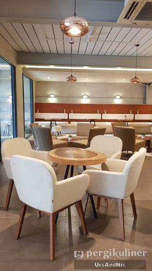 Foto 5 - Interior di Hiveworks Co-Work & Cafe oleh UrsAndNic