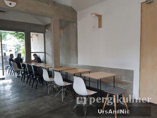 Foto 8 - Interior di Kopi Tikum oleh UrsAndNic