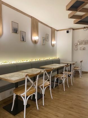 Foto 1 - Interior di ONEZO oleh iminggie