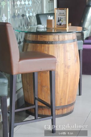 Foto 6 - Interior di VIN+ Wine & Beyond oleh Selfi Tan