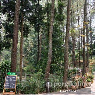 Foto 5 - Eksterior di The Lake House - Pesona Alam Sedayu Hotel oleh Darsehsri Handayani