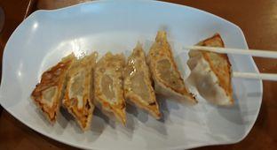 Foto 3 - Makanan(Gyoza ayam bakar) di Hakata Ikkousha oleh risma