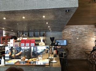 Foto 4 - Interior di Nitro Coffee oleh @eatfoodtravel