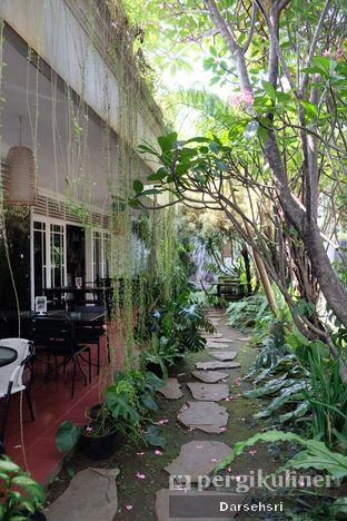 Foto 5 - Interior di The Warung oleh Darsehsri Handayani