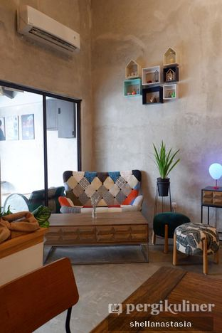 Foto 13 - Interior di Kona Koffie & Eatery oleh Shella Anastasia