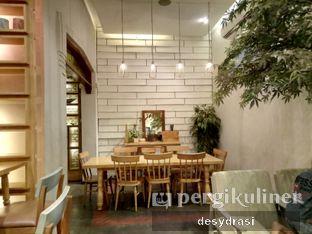 Foto 7 - Interior di Hummingbird Eatery oleh Desy Mustika